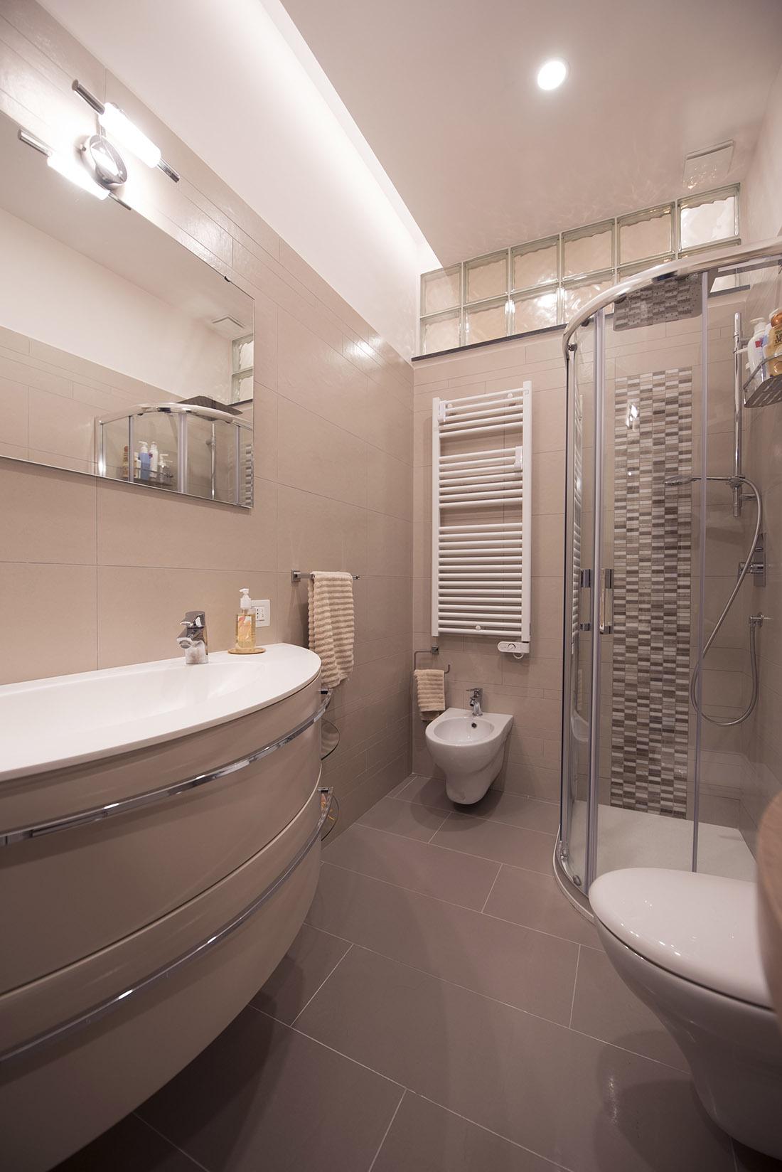 appartamento-otta2-bagno-ospiti-realizzazione-napoli-pucciarelli-architetti