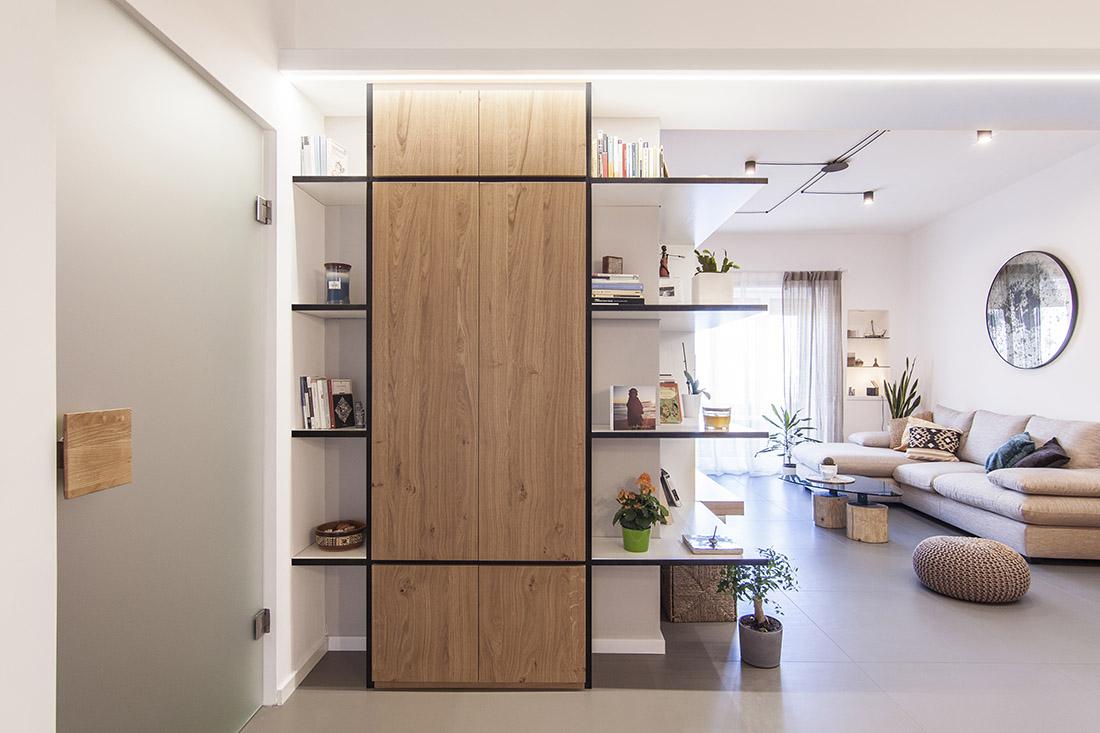 appartamento-rinascita-napoli-pucciarelli-architetti-interior-design-luce-libreria-ingresso