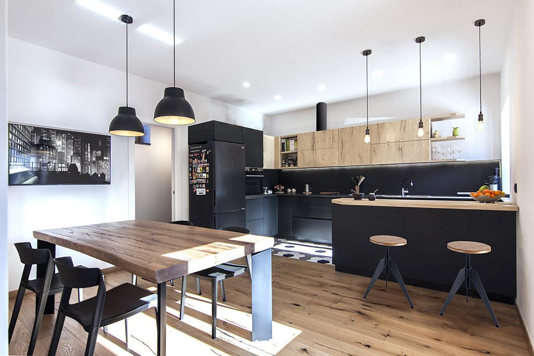 casa-tao-napoli-tufo-a-vista-recupero-moderno-pucciarelli-architetti-cucina