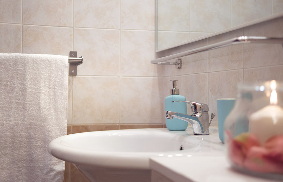 s-eframo-lovely-house-bnb-bagno-low-cost-interior-design-basso-napoli