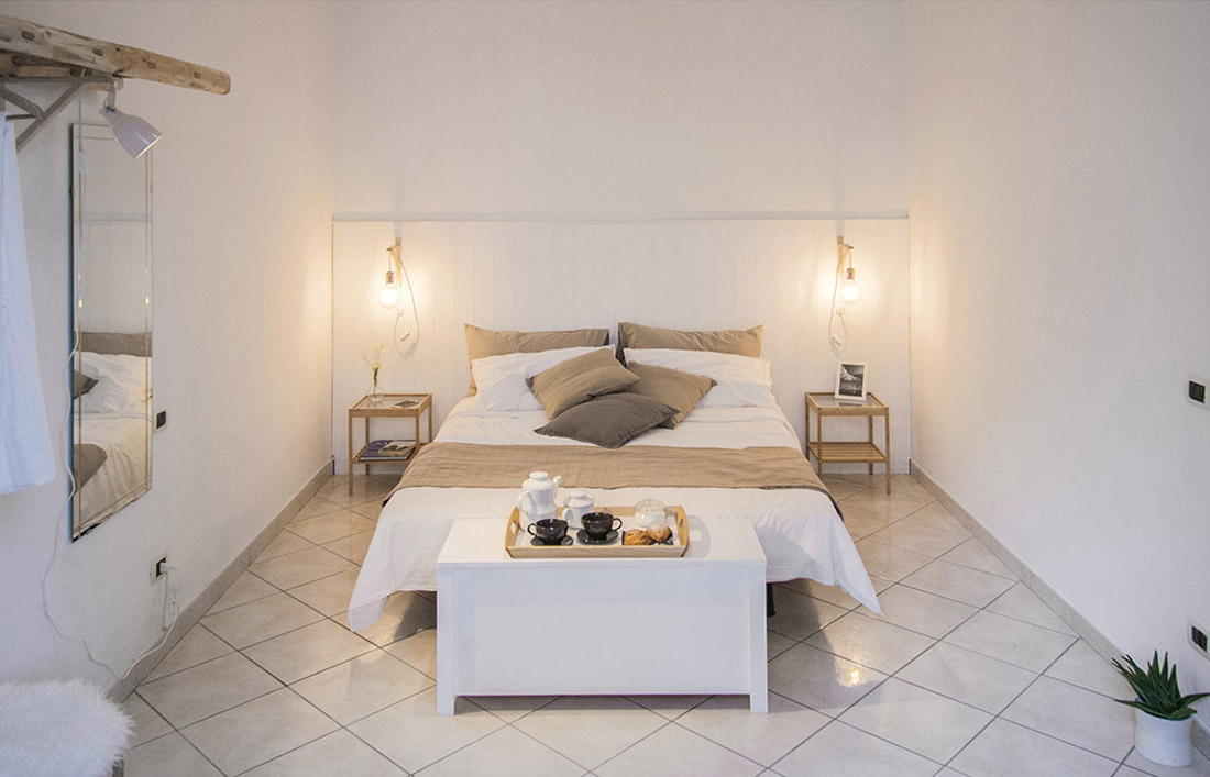 s-eframo-lovely-house-bnb-camera-da-letto-low-cost-interior-design-basso-napoli