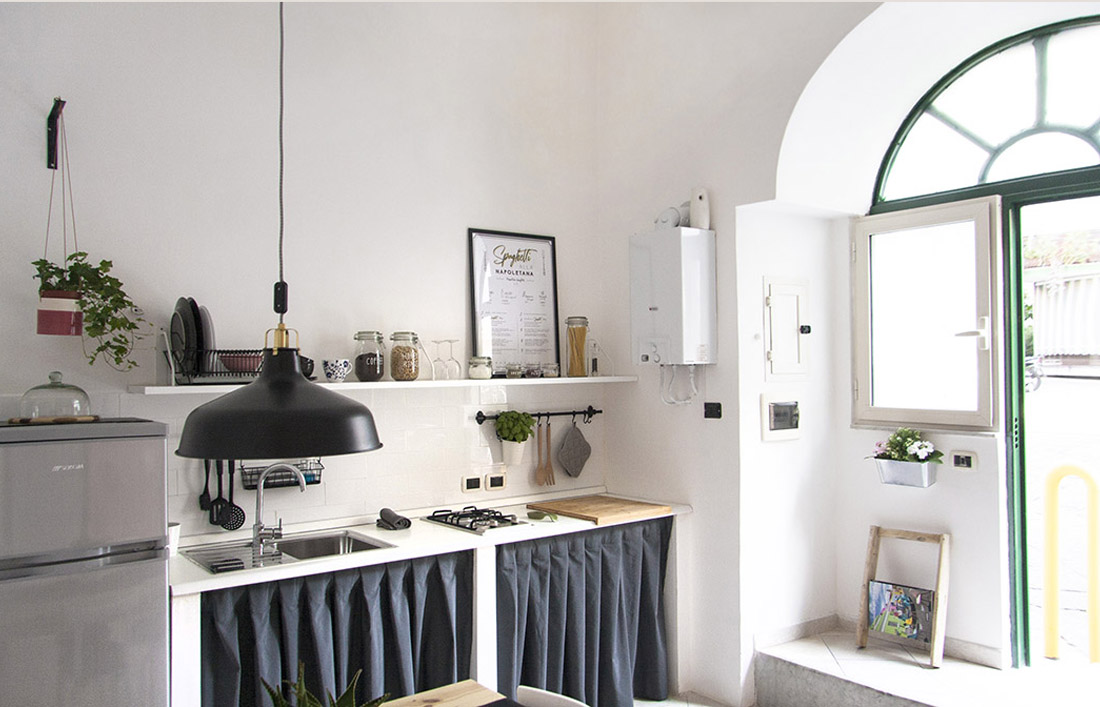 s-eframo-lovely-house-bnb-cucina-low-cost-interior-design-basso-napoli